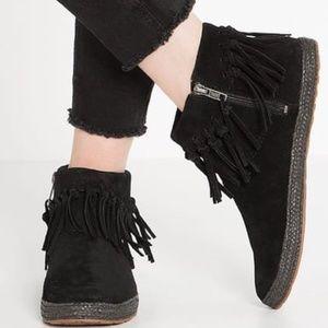 Ugg Shenandoah Black Fringe Suede Ankle Boots 8.5
